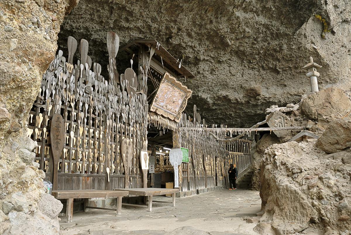 五百羅漢が安置された岩窟