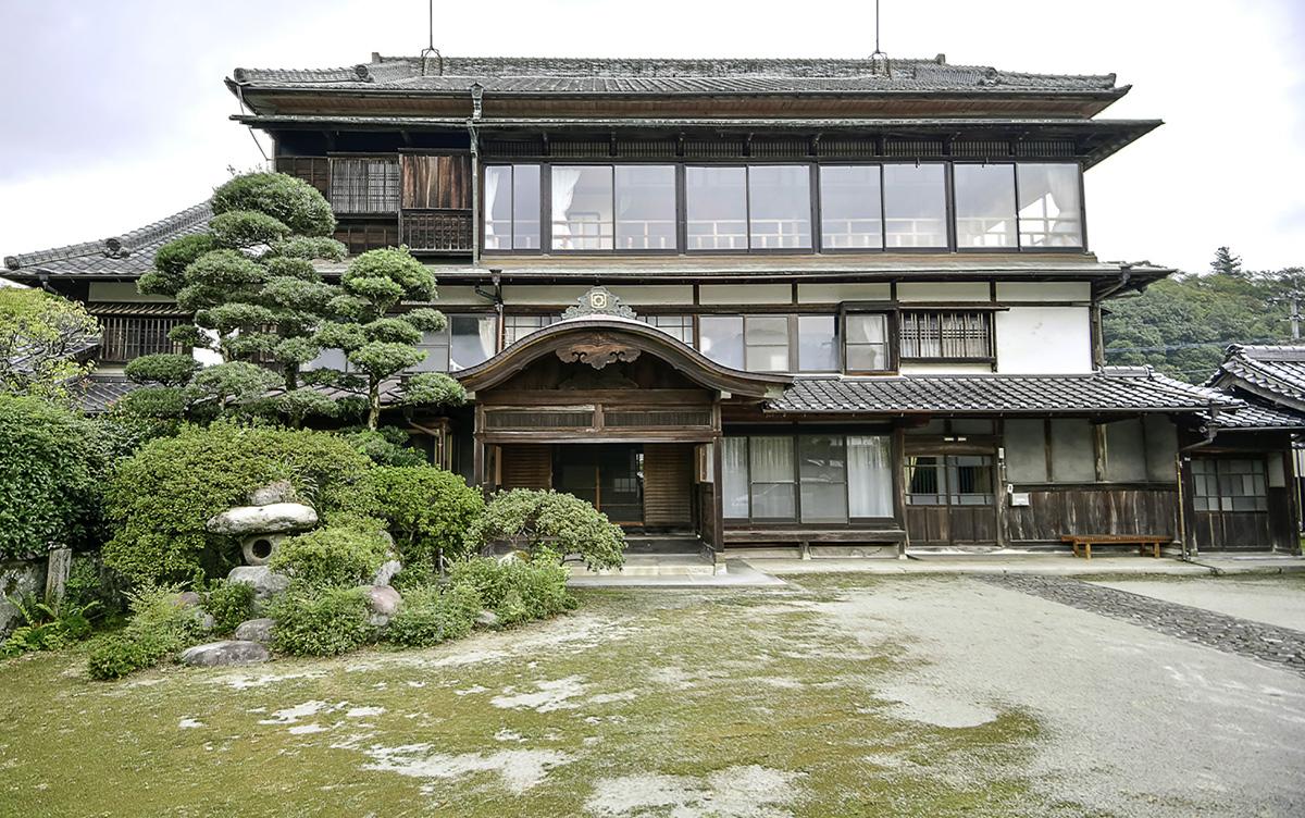 三階建てに改造した平田邸