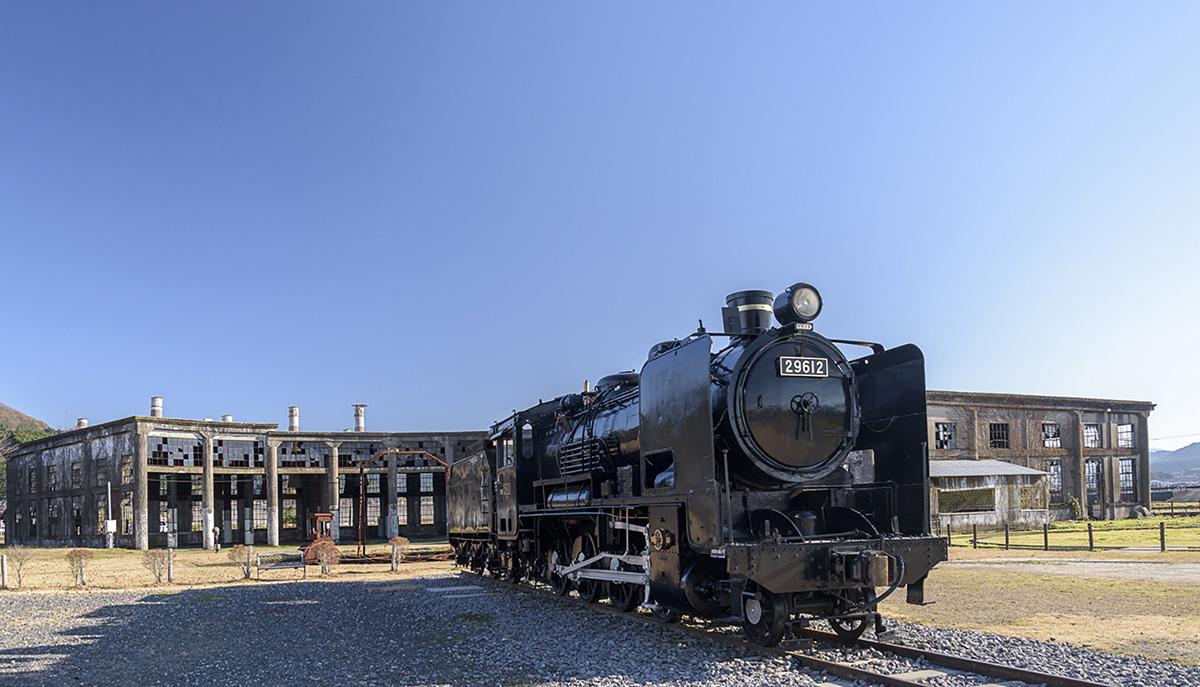 豊後森駅の旧機関庫